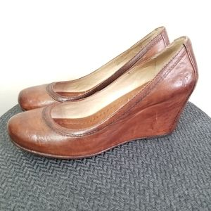EUC Frye brown distressed wedges size 6.5
